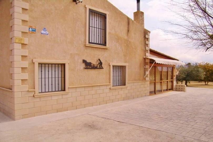 Castalla,Alicante,España,5 Bedrooms Bedrooms,3 BathroomsBathrooms,Chalets,19149