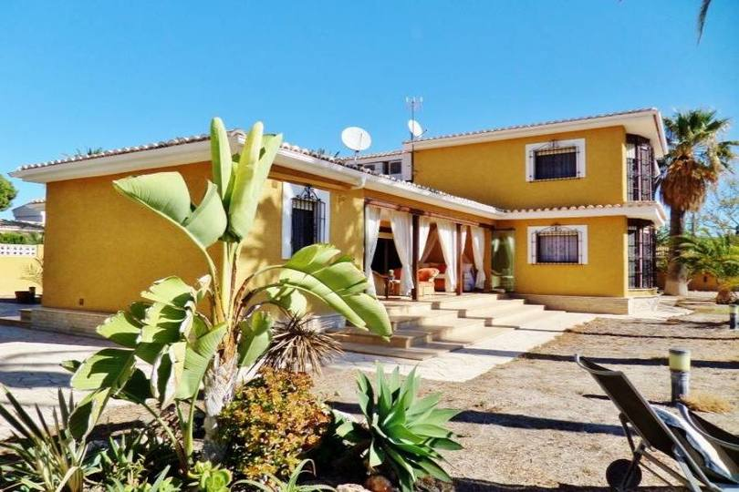el Campello,Alicante,España,4 Bedrooms Bedrooms,4 BathroomsBathrooms,Chalets,19151