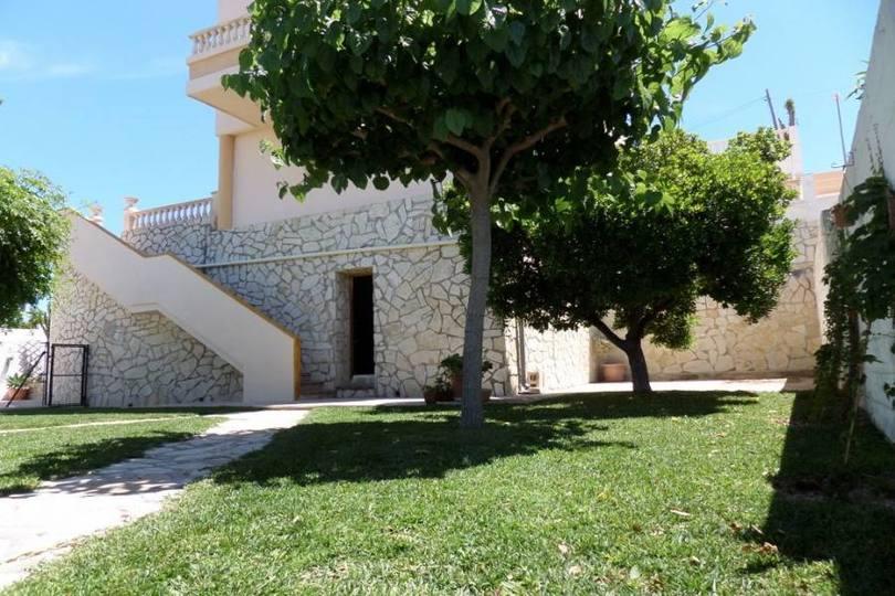 Mutxamel,Alicante,España,3 Bedrooms Bedrooms,3 BathroomsBathrooms,Chalets,19156