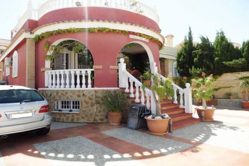 Monforte del Cid,Alicante,España,3 Bedrooms Bedrooms,3 BathroomsBathrooms,Chalets,19158