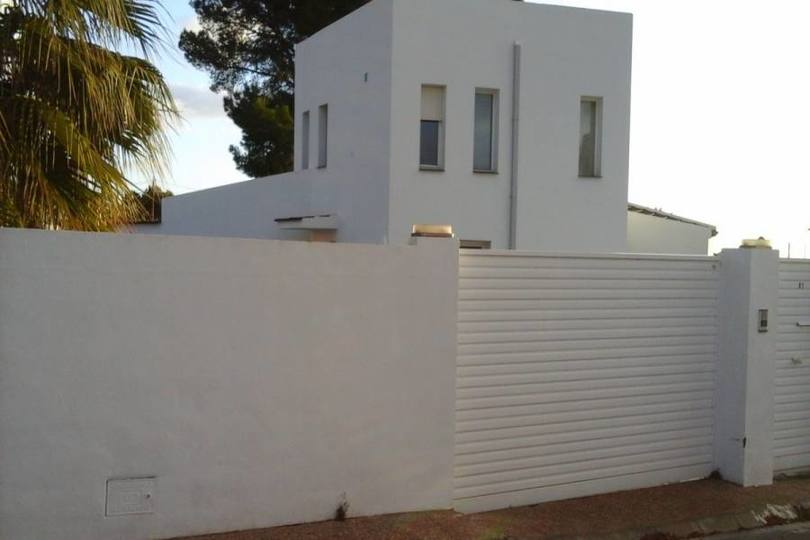 Alfaz del Pi,Alicante,España,3 Bedrooms Bedrooms,2 BathroomsBathrooms,Chalets,19169