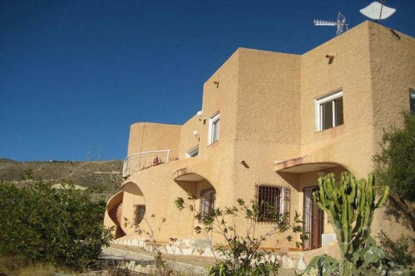 el Campello,Alicante,España,5 Bedrooms Bedrooms,3 BathroomsBathrooms,Chalets,19170