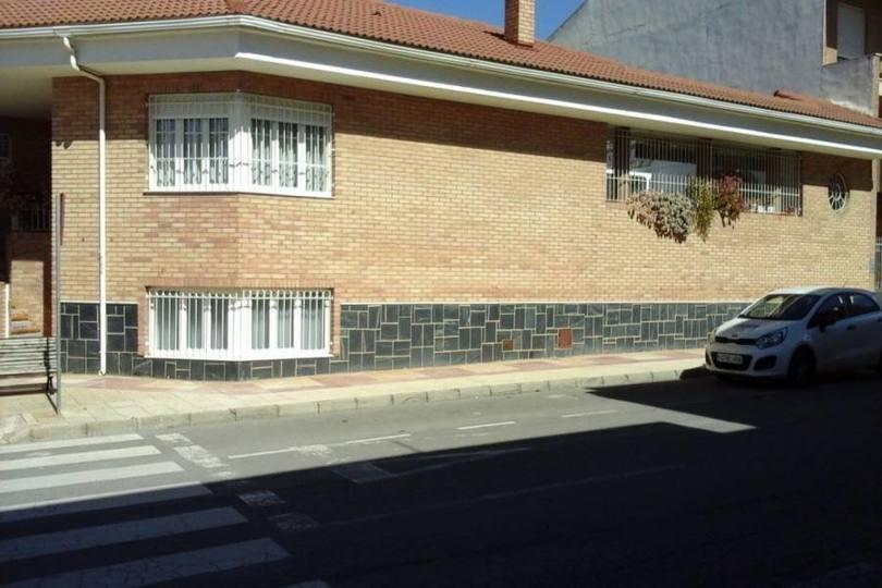 Sax,Alicante,España,4 Bedrooms Bedrooms,3 BathroomsBathrooms,Chalets,19181