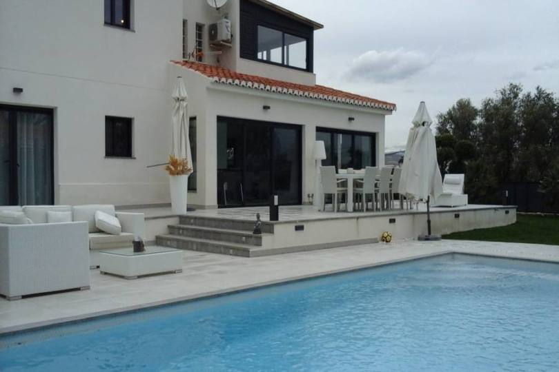 Alicante,Alicante,España,4 Bedrooms Bedrooms,3 BathroomsBathrooms,Chalets,19183