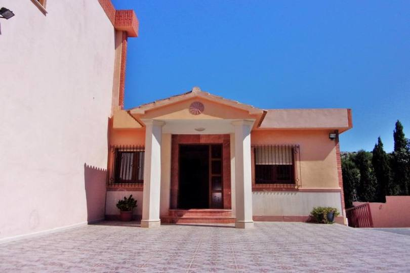Alicante,Alicante,España,9 Bedrooms Bedrooms,8 BathroomsBathrooms,Chalets,19190