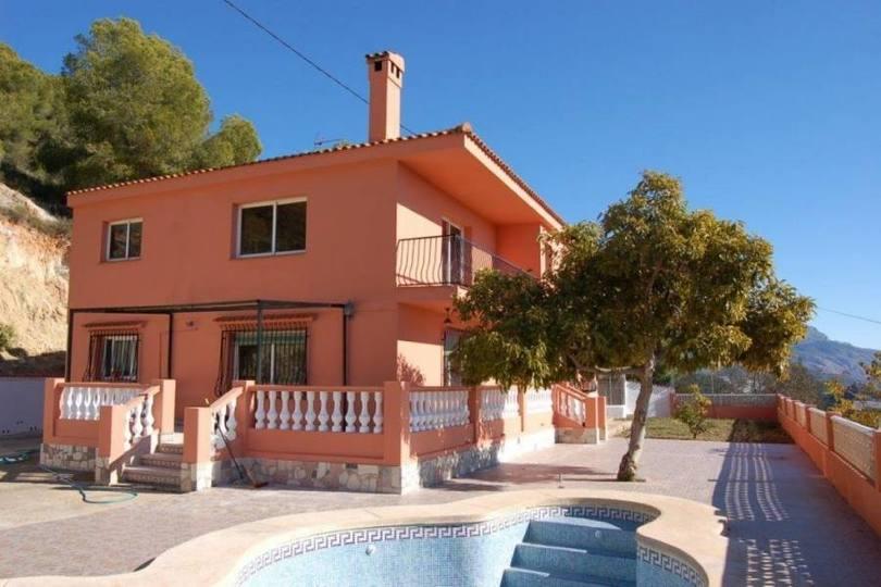 Polop,Alicante,España,4 Bedrooms Bedrooms,1 BañoBathrooms,Chalets,19207