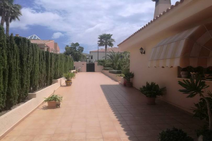 La Nucia,Alicante,España,5 Bedrooms Bedrooms,3 BathroomsBathrooms,Chalets,19209
