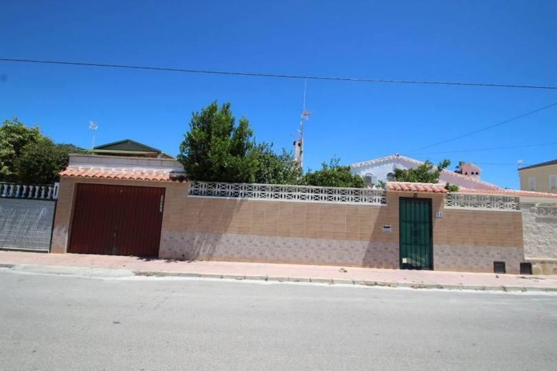Torrevieja,Alicante,España,3 Bedrooms Bedrooms,2 BathroomsBathrooms,Chalets,19227