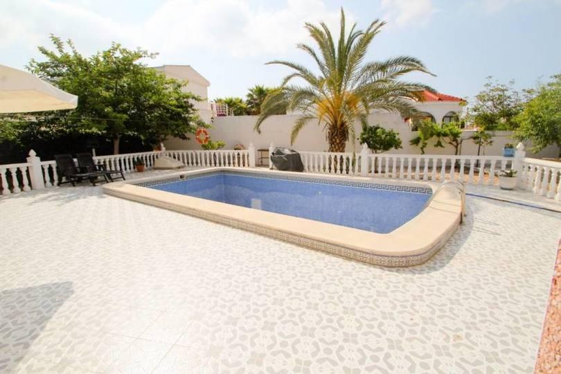 Torrevieja,Alicante,España,3 Bedrooms Bedrooms,2 BathroomsBathrooms,Chalets,19229