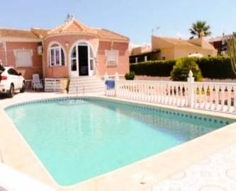 Torrevieja,Alicante,España,4 Bedrooms Bedrooms,2 BathroomsBathrooms,Chalets,19235
