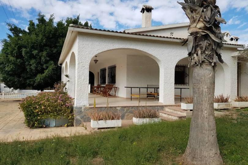 Elche,Alicante,España,4 Bedrooms Bedrooms,3 BathroomsBathrooms,Chalets,19243