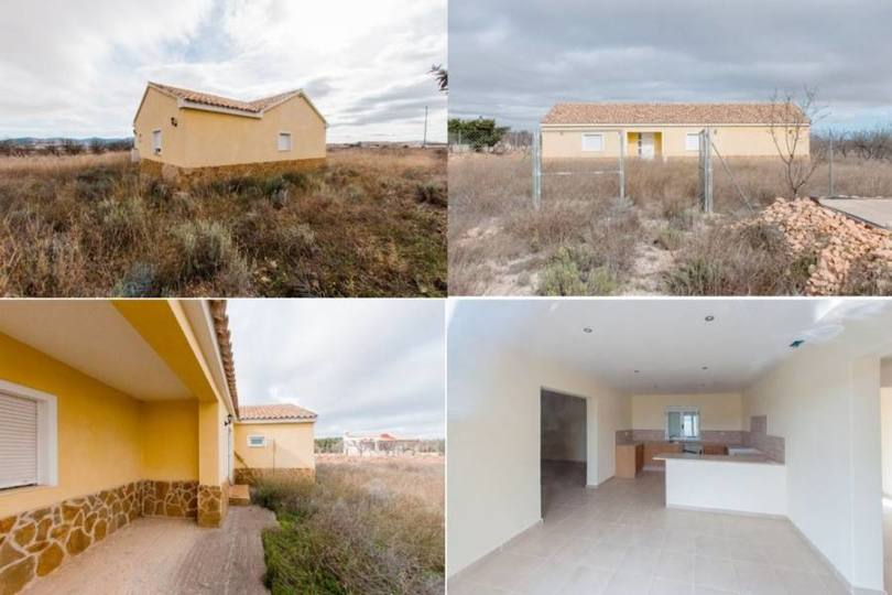 Pinoso,Alicante,España,3 Bedrooms Bedrooms,1 BañoBathrooms,Chalets,19255