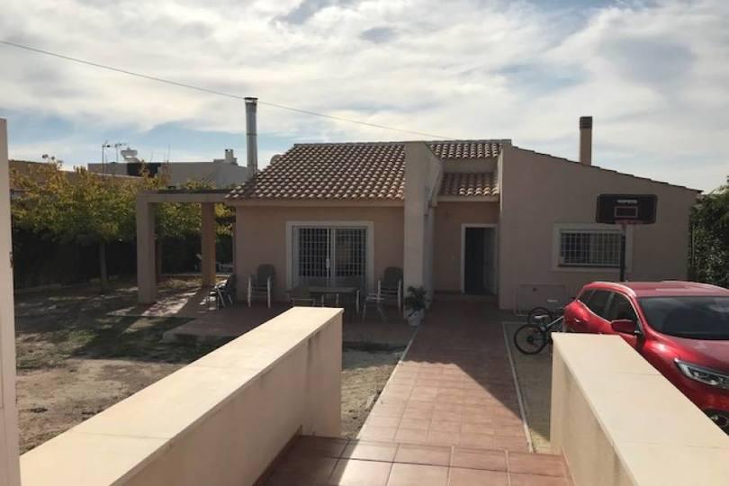 Mutxamel,Alicante,España,4 Bedrooms Bedrooms,2 BathroomsBathrooms,Chalets,19273