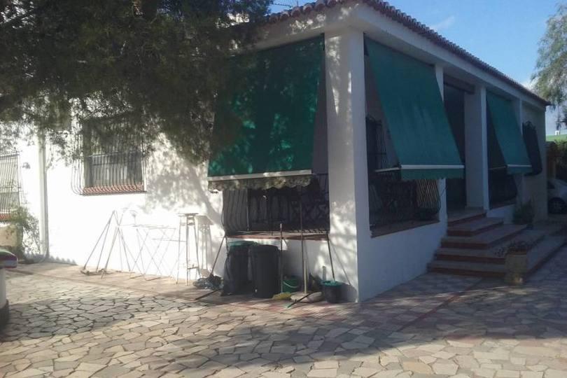 San Vicente del Raspeig,Alicante,España,4 Bedrooms Bedrooms,3 BathroomsBathrooms,Chalets,19294