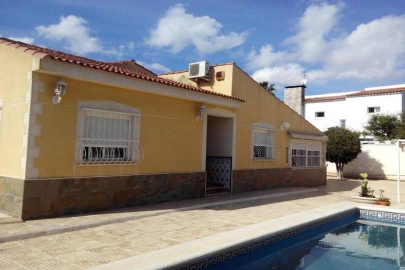 San Vicente del Raspeig,Alicante,España,3 Bedrooms Bedrooms,2 BathroomsBathrooms,Chalets,19299