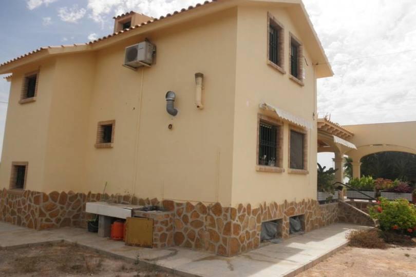San Vicente del Raspeig,Alicante,España,6 Bedrooms Bedrooms,2 BathroomsBathrooms,Chalets,19303