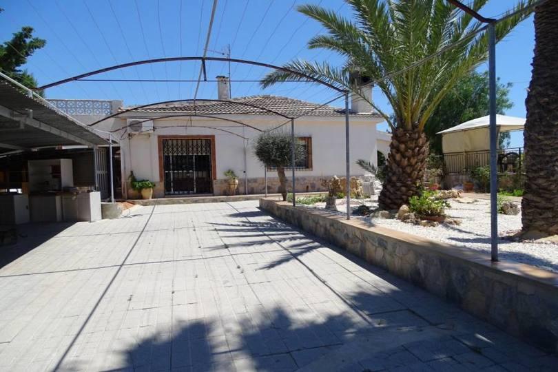San Vicente del Raspeig,Alicante,España,4 Bedrooms Bedrooms,2 BathroomsBathrooms,Chalets,19304