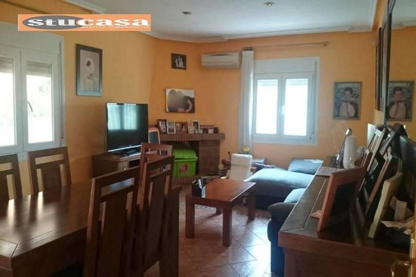 Mutxamel,Alicante,España,5 Bedrooms Bedrooms,2 BathroomsBathrooms,Chalets,19307