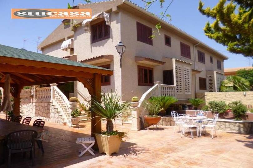 San Juan,Alicante,España,4 Bedrooms Bedrooms,2 BathroomsBathrooms,Chalets,19312