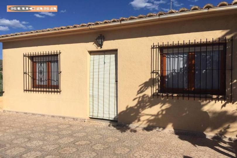 Busot,Alicante,España,4 Bedrooms Bedrooms,2 BathroomsBathrooms,Chalets,19313