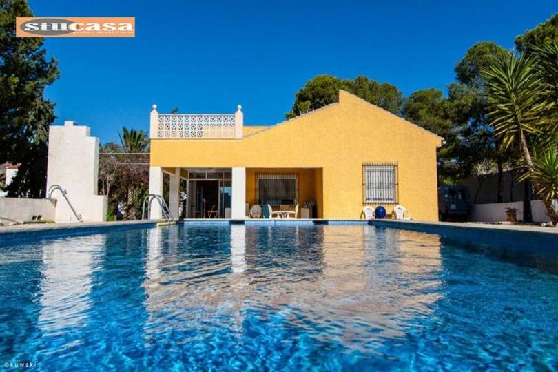 Mutxamel,Alicante,España,5 Bedrooms Bedrooms,2 BathroomsBathrooms,Chalets,19317
