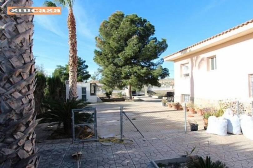 Alicante,Alicante,España,5 Bedrooms Bedrooms,2 BathroomsBathrooms,Chalets,19325