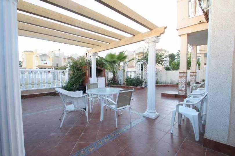 Torrevieja,Alicante,España,3 Bedrooms Bedrooms,2 BathroomsBathrooms,Chalets,19329