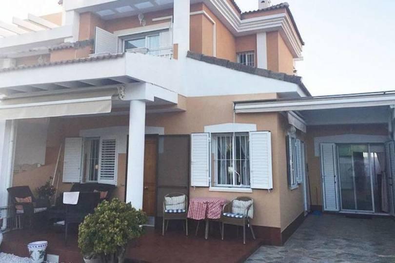 Gran alacant,Alicante,España,3 Bedrooms Bedrooms,2 BathroomsBathrooms,Chalets,19405