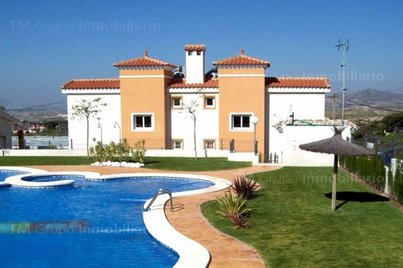 Alicante,Alicante,España,2 Bedrooms Bedrooms,2 BathroomsBathrooms,Chalets,19432