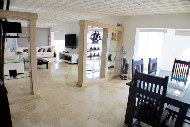 Benidorm,Alicante,España,4 Bedrooms Bedrooms,4 BathroomsBathrooms,Chalets,19461