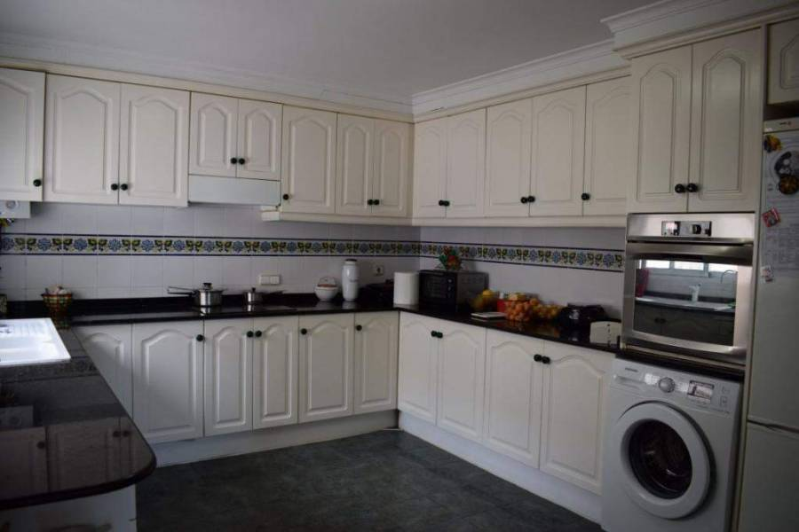 Dénia,Alicante,España,5 Bedrooms Bedrooms,2 BathroomsBathrooms,Apartamentos,20981