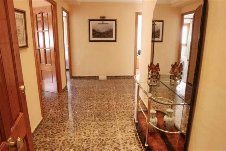 Dénia,Alicante,España,5 Bedrooms Bedrooms,2 BathroomsBathrooms,Apartamentos,21352