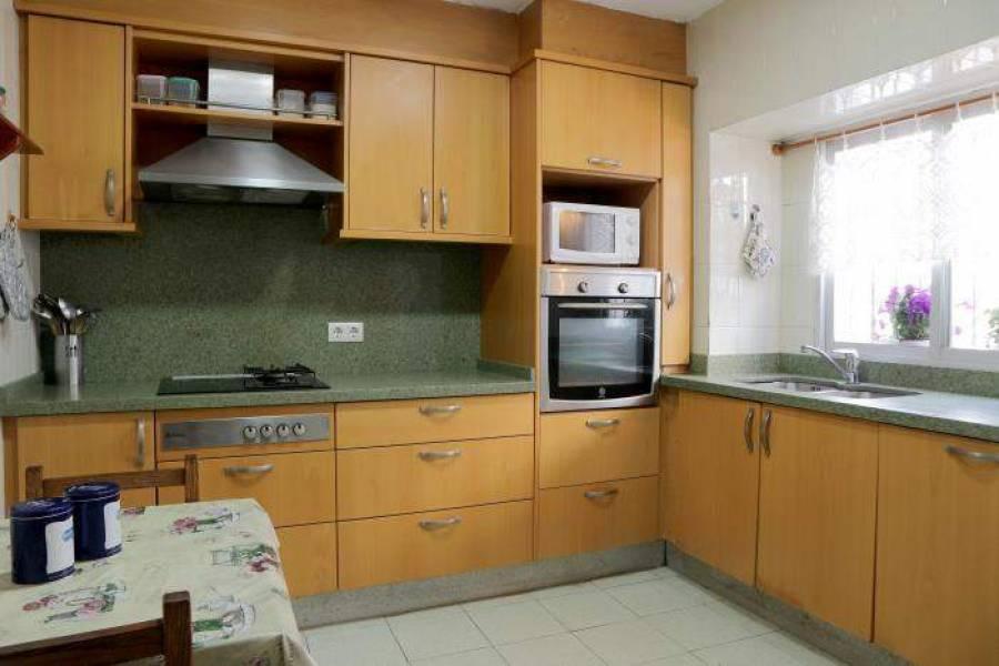 Dénia,Alicante,España,7 Bedrooms Bedrooms,1 BañoBathrooms,Casas de pueblo,21532