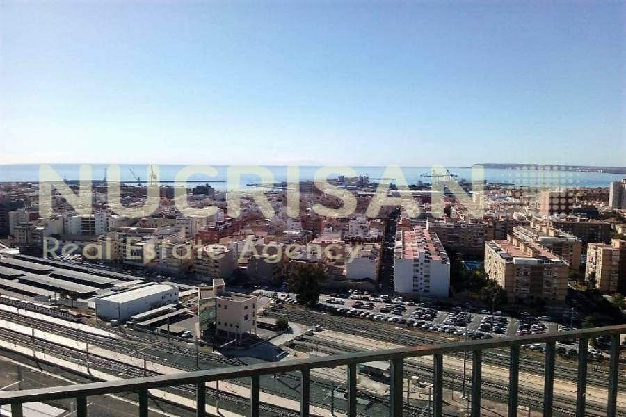 Alicante,Alicante,España,3 Bedrooms Bedrooms,2 BathroomsBathrooms,Atico,21702