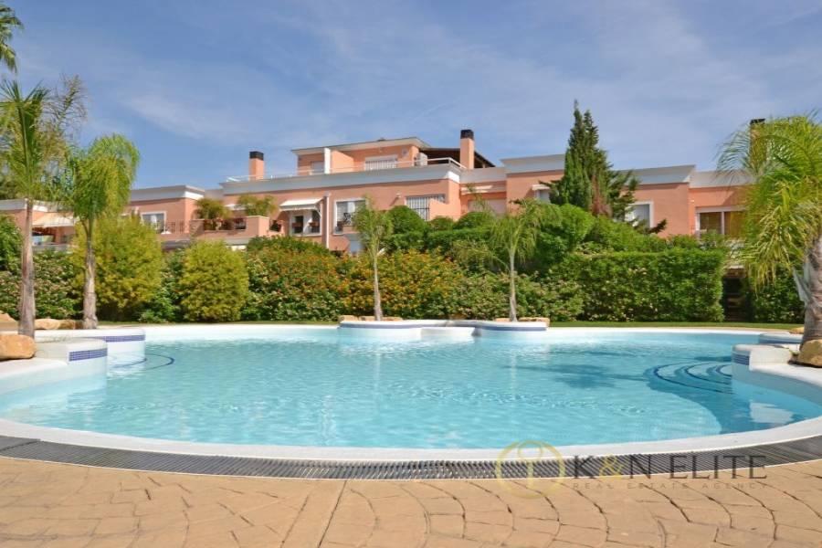 Alicante,Alicante,España,4 Bedrooms Bedrooms,3 BathroomsBathrooms,Bungalow,21727