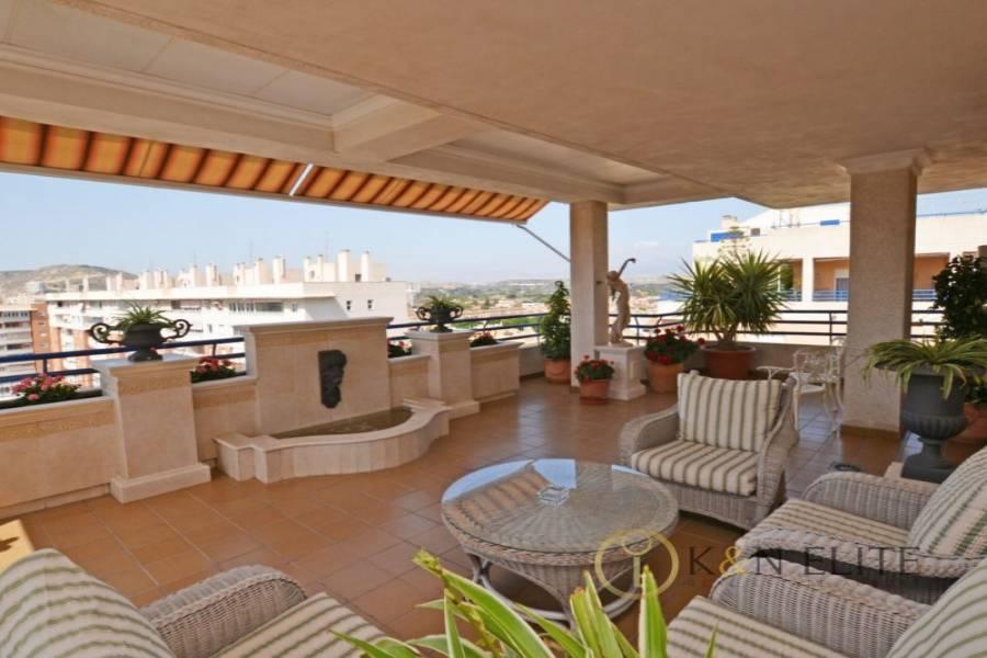 Alicante,Alicante,España,4 Bedrooms Bedrooms,3 BathroomsBathrooms,Atico,21737