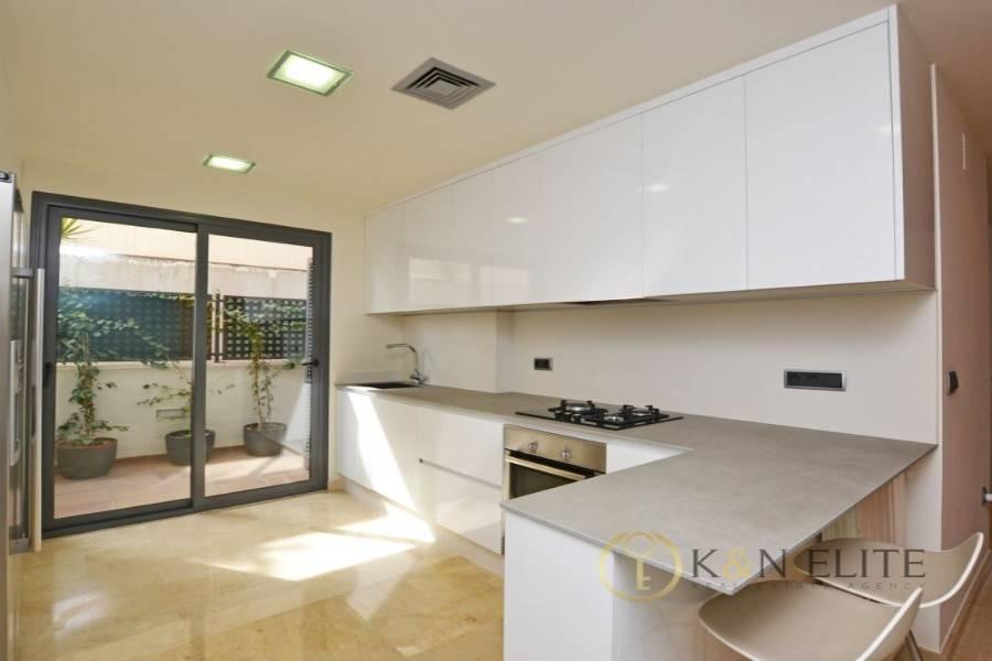 Alicante,Alicante,España,4 Bedrooms Bedrooms,4 BathroomsBathrooms,Bungalow,21739