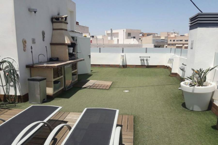 Alicante,Alicante,España,3 Bedrooms Bedrooms,2 BathroomsBathrooms,Atico,21755