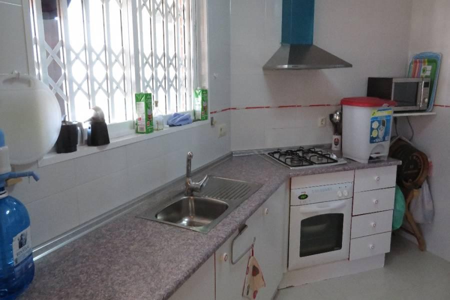 Alicante,Alicante,España,2 Bedrooms Bedrooms,1 BañoBathrooms,Atico,21775