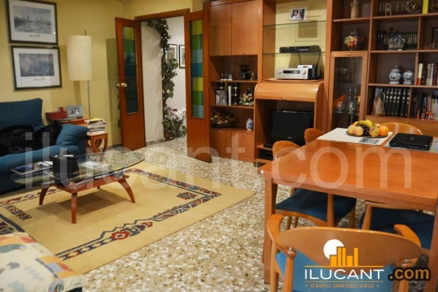 Alicante,Alicante,España,5 Bedrooms Bedrooms,2 BathroomsBathrooms,Dúplex,21794