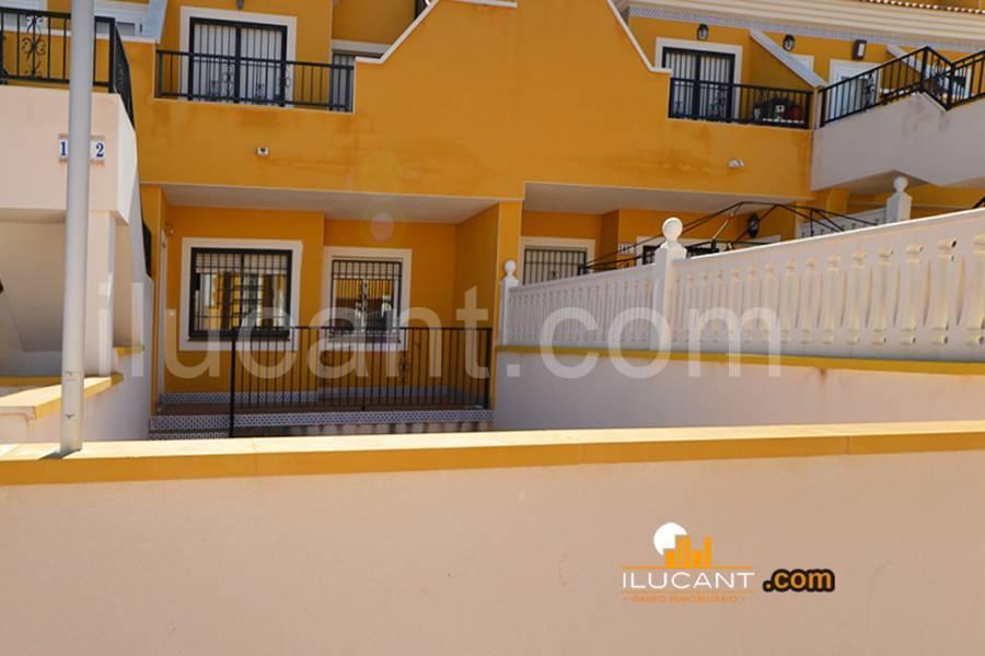 Arenales del sol,Alicante,España,2 Bedrooms Bedrooms,1 BañoBathrooms,Planta baja,21809