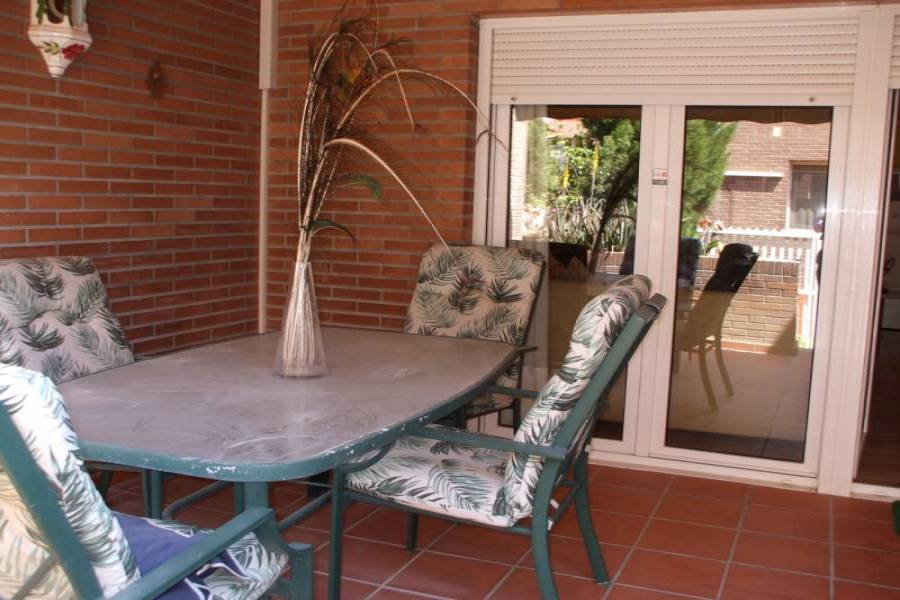 San Vicente del Raspeig,Alicante,España,5 Bedrooms Bedrooms,3 BathroomsBathrooms,Bungalow,21811