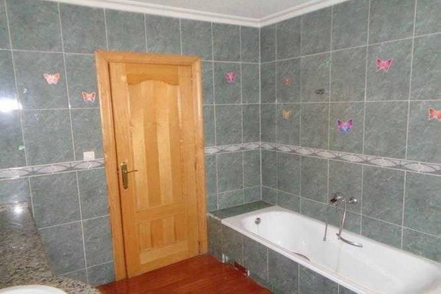Elda,Alicante,España,3 Bedrooms Bedrooms,3 BathroomsBathrooms,Adosada,22286