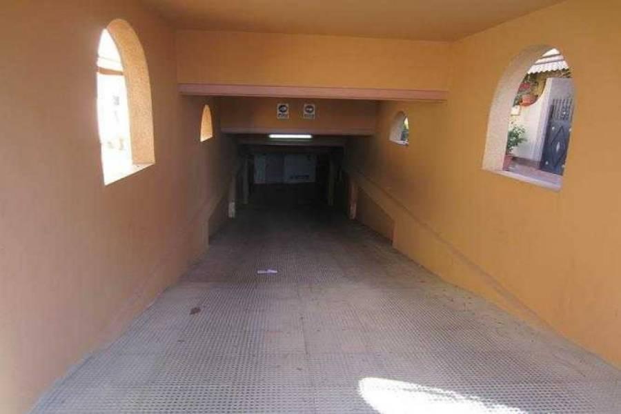 Alicante,Alicante,España,3 Bedrooms Bedrooms,2 BathroomsBathrooms,Adosada,22288
