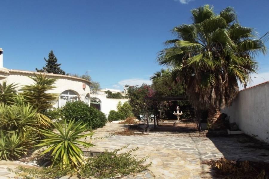 Torrevieja,Alicante,España,5 Bedrooms Bedrooms,4 BathroomsBathrooms,Casas,22457