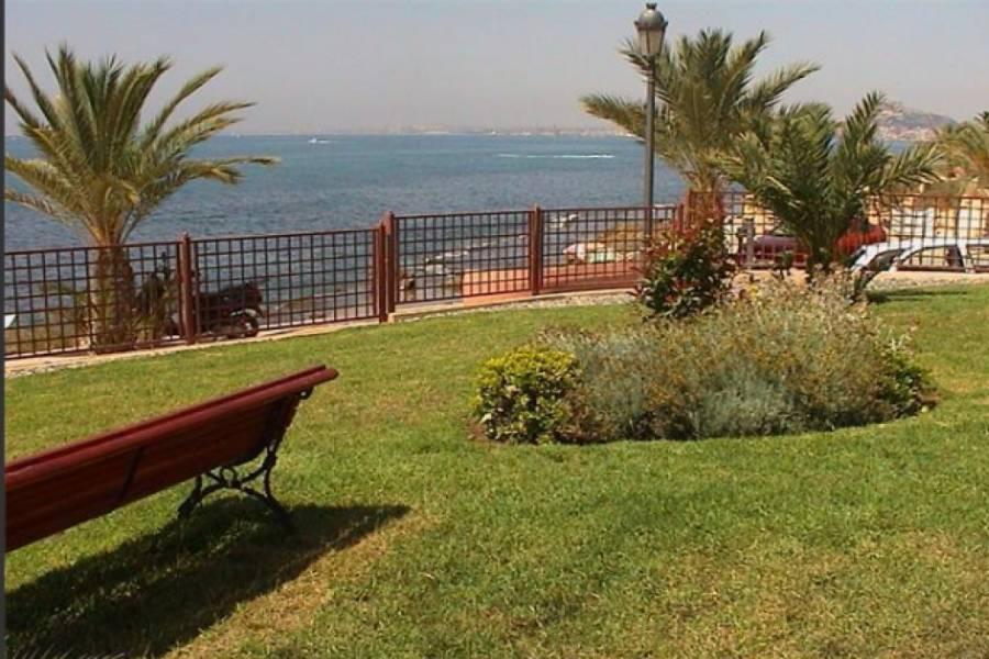 Alicante,Alicante,España,5 Bedrooms Bedrooms,3 BathroomsBathrooms,Adosada,22470