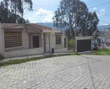 LOJA,LOJA,Ecuador,4 Habitaciones Habitaciones,2 BañosBaños,Casas,3182