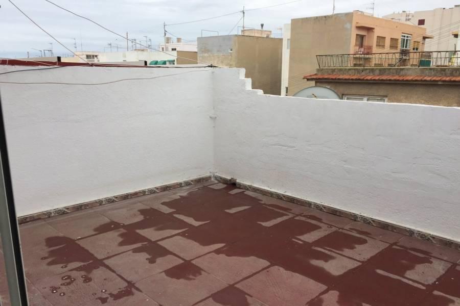 Alicante,Alicante,España,2 Bedrooms Bedrooms,1 BañoBathrooms,Atico,24153
