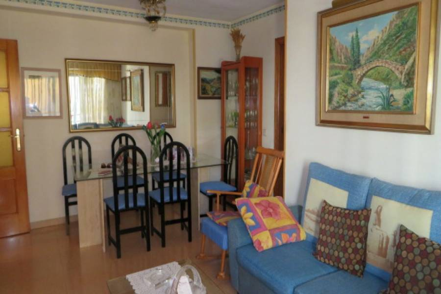 Alicante,Alicante,España,3 Bedrooms Bedrooms,2 BathroomsBathrooms,Apartamentos,24160