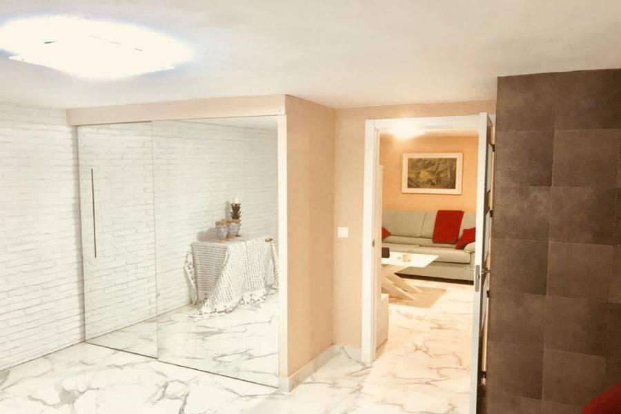 Alicante,Alicante,España,2 Bedrooms Bedrooms,1 BañoBathrooms,Apartamentos,24162